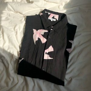Doves in the wind button up